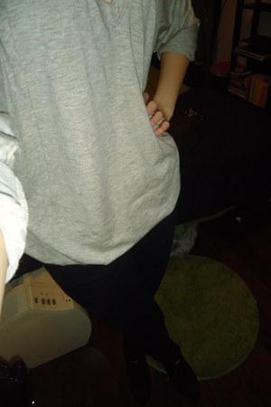 black CITIZEN jeans - heather gray wilfred shirt - black Kelsi Dagger wedges