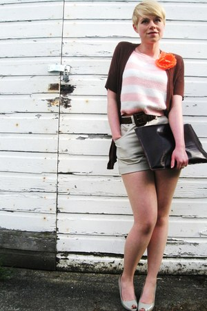 light pink vintage cropped sweater - dark brown leather American Apparel bag - t