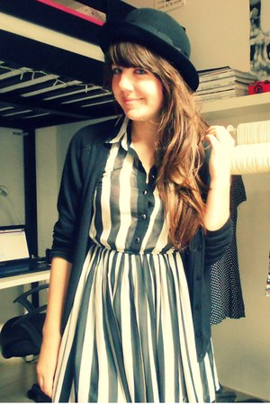 Primark dress - H&M hat - Secondhand cardigan