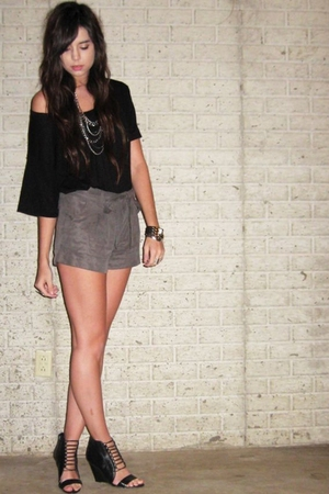 American Apparel t-shirt - forever 21 shorts - Aldo shoes - forever 21 necklace