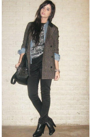 blue denim H&M LOGG shirt - black ankle Steve Madden boots