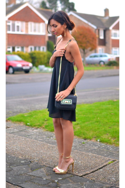 cami asos dress - gold Zara sandals