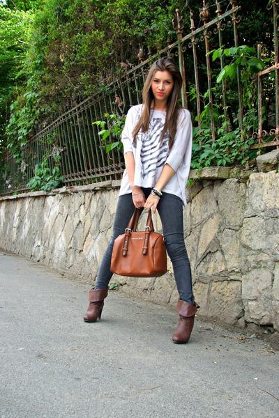 armani bag - Zara jeans - large Bershka blouse - Cacharel watch