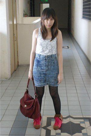 dark gray heart print tights - crimson vintage bag - blue denim skirt - hot pink