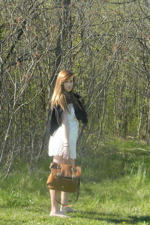 from sweden Hennes & Maurutz purse - size medium Teen Wear sweater