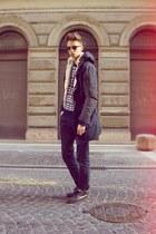 vintage boots - navy Zara coat - navy pull&bear jeans - blue vintage sweater