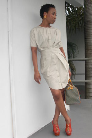 beige Uniqlox dress - orange BCBG shoes - Gucci bag
