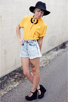 yellow bow tie vintage blouse - black wide brim Urban Outfitters hat