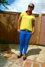 Blue-jeans-yellow-blouse