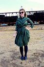 Green-cotton-vintage-dress-light-brown-karen-walker-sunglasses