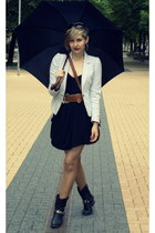 cream H&M blazer - black unknown boots - black H&M dress - tawny H&M bag