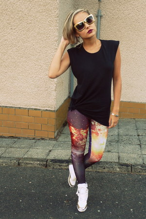 magenta Romwecom leggings - gold H&amp;M sunglasses - black Zara top