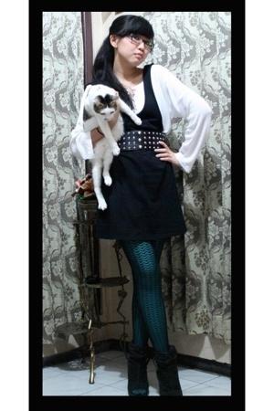 thrift dress - H&M tights - Forever21 stockings - thrift blouse - Zara belt - Za