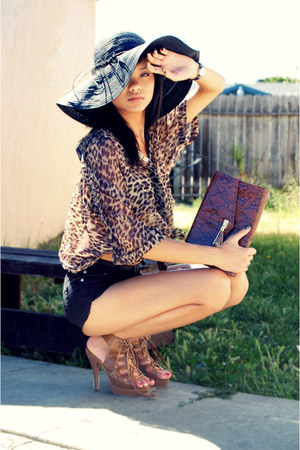 dark brown clutch H&amp;M bag - black Forever 21 hat - black Forever 21 shorts