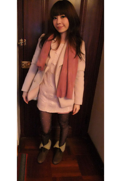 beige jacket - pink sweater - black tights