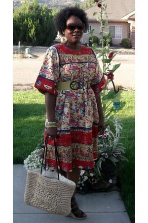 brick red Vintage Thrifted dress - eggshell Thrift Store bag