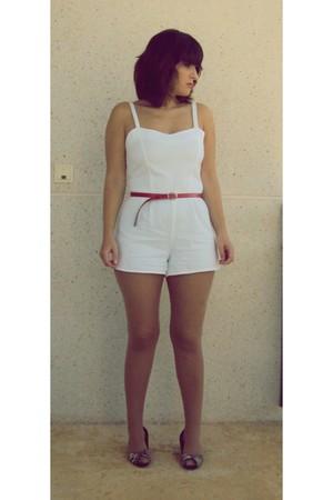 white Oysho shorts - black new look shoes - red vintage belt