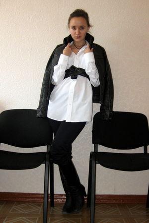 white shirt - blue Zara jeans - black Mango jacket - black thomas sabo necklace