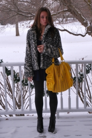 black H&amp;M coat - gold Aldo accessories - black Steve Madden shoes