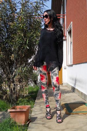 black old jumper - asos leggings - black sandals