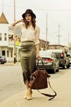 tan vintage bag