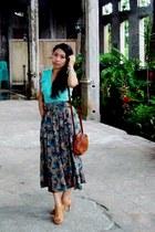 light brown Mendez heels - brown vintage bag Italy bag - aquamarine top