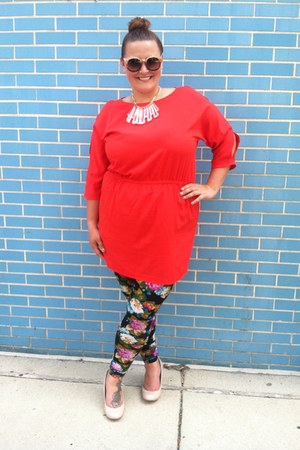 ruby red French Connection dress - dark green leggings