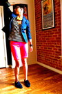 Navy-shoes-navy-blazer-mustard-scarf-hot-pink-shorts-white-top