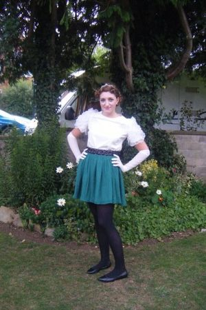 green Forever21 skirt - black tights - white Forever 21 blouse - white Accessori