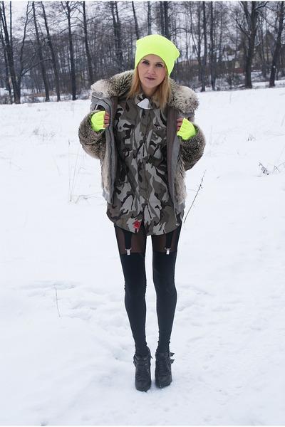camouflage SH shirt - TK Maxx boots - fur SH jacket - stocking My Own leggings