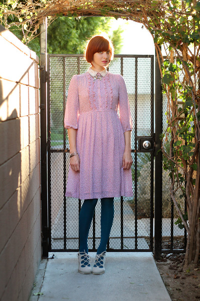bubble gum vintage dress - teal Gap tights