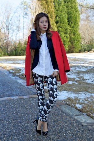 Giorgio Armani blazer - Christian Louboutin shoes - Sisley coat - Theory pants