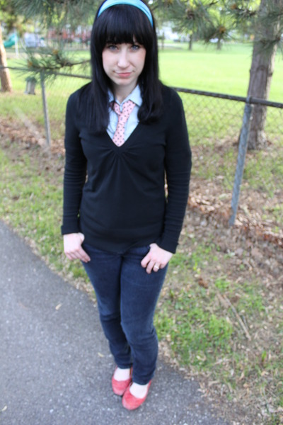 blue Forever21 shirt - black Express sweater - pink thrifted tie - blue Forever
