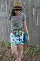 beige Target hat - gray Hot Topic t-shirt - green Target skirt - green gift purs
