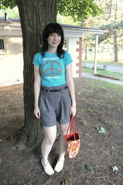 blue thrifted t-shirt - gray Forever 21 shorts - black Forever 21 belt - white t
