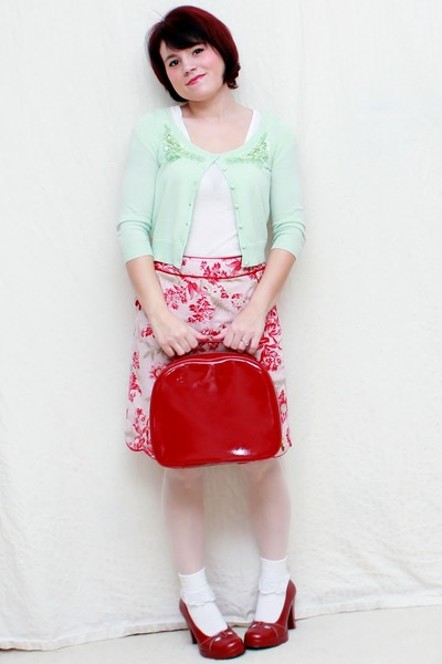 red Bongo heels - light pink Anne Klein skirt - lime green Candies cardigan