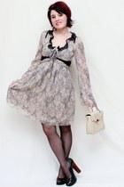 camel vintage bag - tan Stefanel dress - black Collin Stewart heels