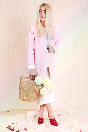 white neoprene &otherStories top - light pink Front Row Shop coat