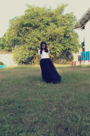 white stretch top - bubble gum shoes - black net skirt