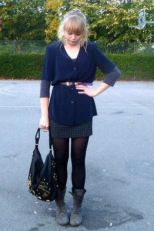 blue thrifted blouse - gray vintage skirt - gray H&M top - gray Matalan boots -