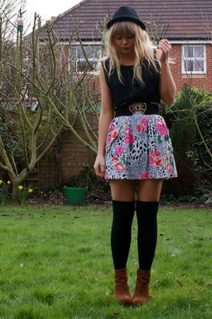 black next socks - white River Island skirt - black asos belt