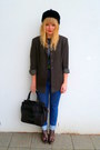 Dark-khaki-thrifted-blazer-charcoal-gray-amplified-t-shirt-levis-jeans-lov