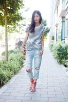 light blue jeans - black top - red Zara heels