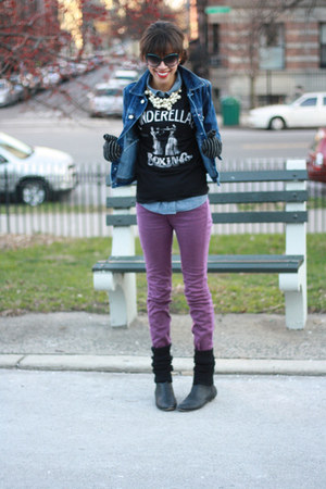 t shirt t-shirt - booties asos boots - Urban Outfitters jeans