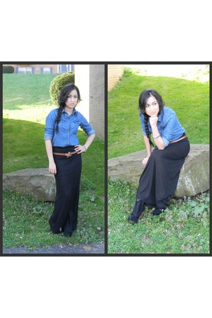 black maxi skirt - boots - metallic bracelet - camel color belt