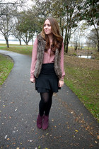 faux fur Urban Planet vest - Avon boots - Smart Set skirt - H&M blouse
