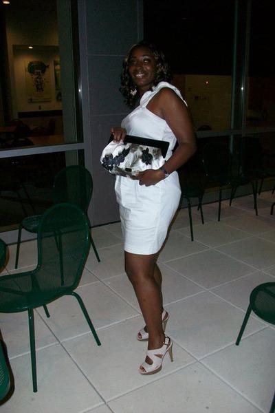one shoulder dress - shoes - white clutch bag
