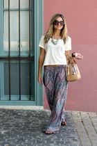 Zara pants - Bimba & Lola bag - Prada sunglasses - H&M t-shirt