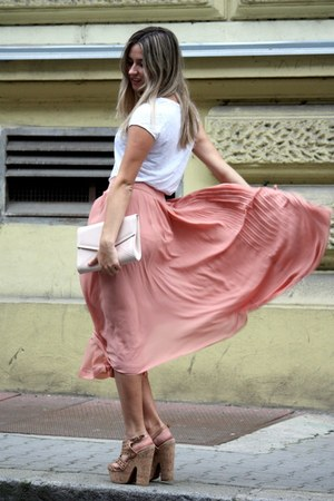 nude H&amp;M bag - white H&amp;M t-shirt - peach H&amp;M skirt