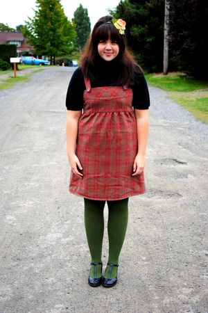 green Ross tights - black seychelles shoes - red Tulle Clothing dress
